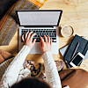 FINNE LEDIGE STILLINGER: Dersom du er på utkikk etter en ny jobb bør du ikke kun lete på Finn.no.  Foto: Shutterstock / Ilya Oreshkov