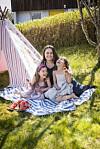 LIVMORHALSKREFT: Linda Hvidsten godtok ikke beskjeden om at hun ikke kunne bli mamma. Tvillingene Julia (til venstre) og Maria (6 ½) er levende bevis på at det kan lønne seg å ikke godta nei som et endelig svar. Foto: Monica Larsen